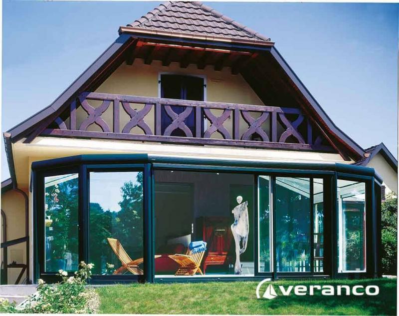 veranda diamant forme arrondie et toiture rayonnante sur les c t s. Black Bedroom Furniture Sets. Home Design Ideas