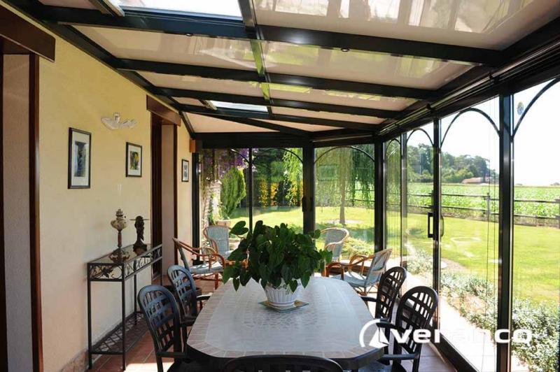 veranda emeraude mod le 2 pans coup s et toiture facette. Black Bedroom Furniture Sets. Home Design Ideas